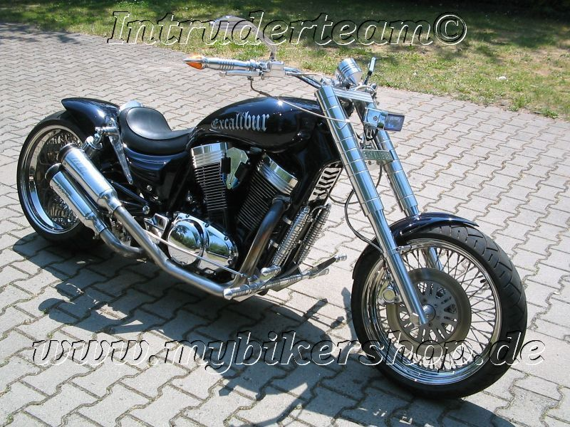 Harley Davidson Vs Intruder
