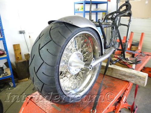 Swingarm incl. Fender Intruder VS1400 for 7-9,5 zoll 260 Tyre
